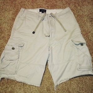 Abercrombie & Fitch distressed cargo shorts. 32
